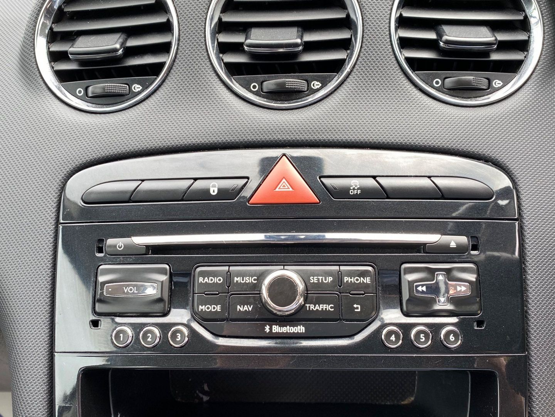 Peugeot 308 1.6 HDi FAP Active 5dr (Nav) (2013)   A. Owen ...